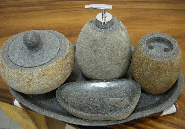 stone accessories for your bathroom